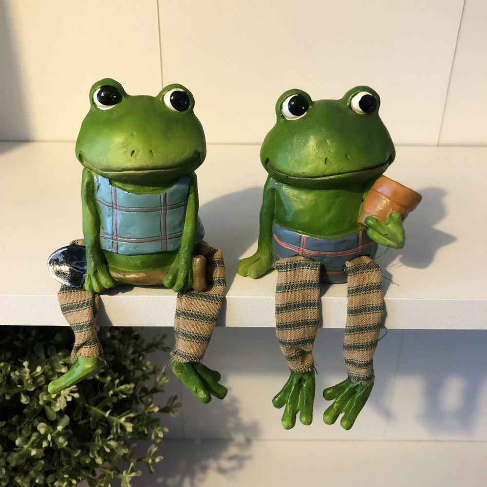 Gardening Frogs Over shelf Mantel Ornament Pair